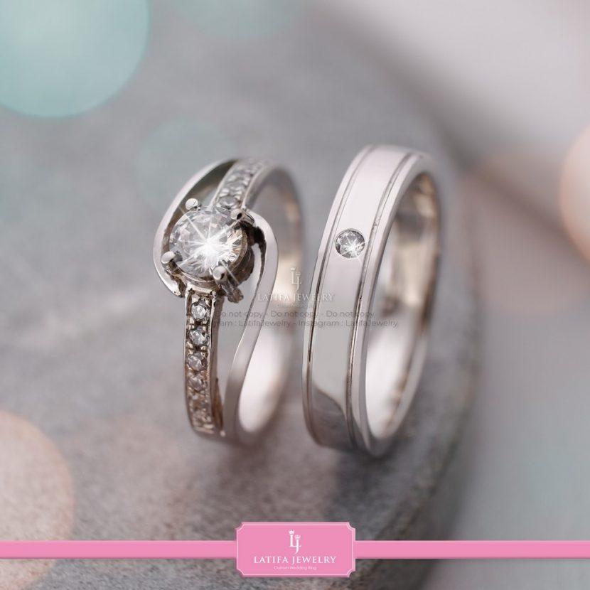 toko cincin nikah Solo Bontang Surabaya Cincin kawin Cincin tunangan Cincin couple custom Cincin emas perak palladium platinum Solo Bontang Surabaya murah (69)